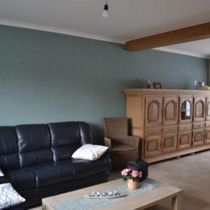 Stralen meubels en behangen van volledige woning